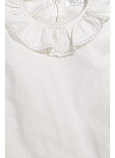 Zeyland Dantel şeritli Bebe Yaka Bluz (5-12yaş) Dantel şeritli Bebe Yaka Bluz (5-12yaş) Ekru